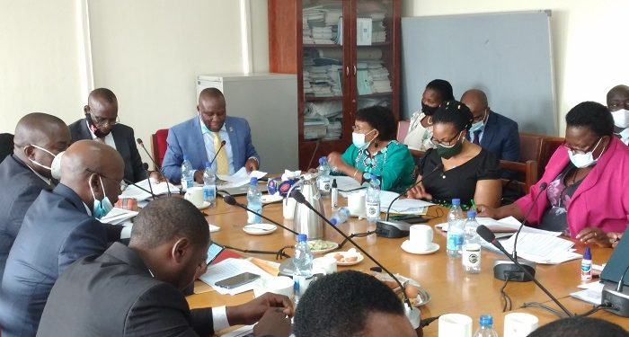 Committee on physical Infrascture inter Facing with officials from lands ministry